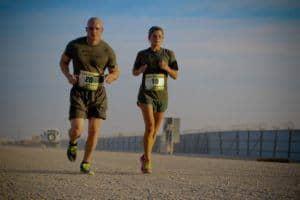 Läufer Muskel Sport Bewegung Anstrengung Curcumin Regeneration Erholung