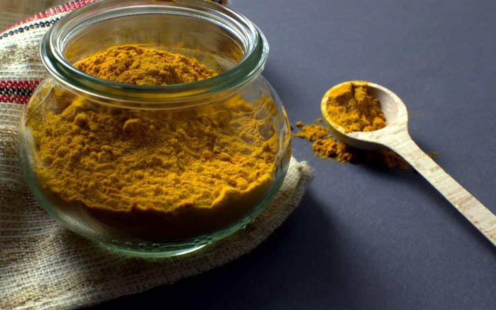 kurkuma superfood cúrcuma dosificación uso de la curcuma y la curcumina mejores efectos uso eficaz de la cúrcuma